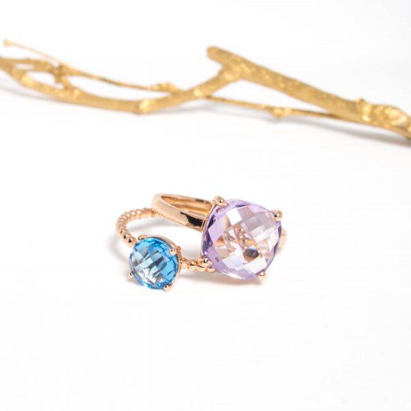 Bagues Pompon topaze swiss blue et Solitaire améthyste lavande gold