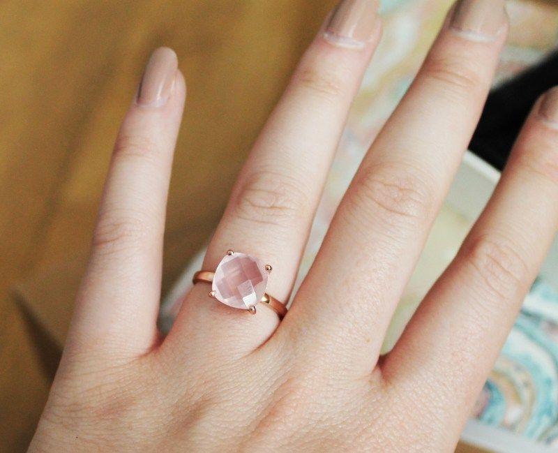 bague quartz rose portée 1